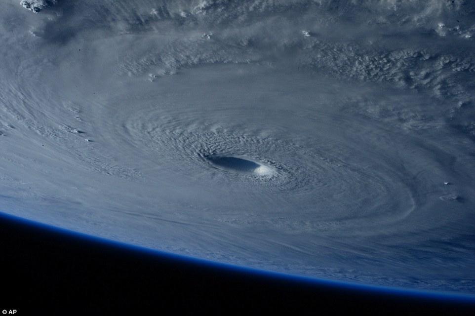 2015年の台風予想と傾向は?スーパー台風発生を検証!